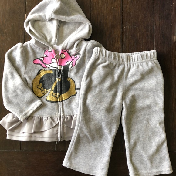 Disney Other - Cute velour set